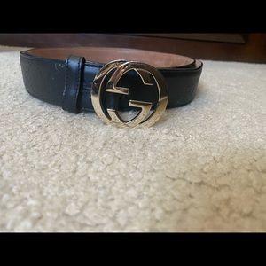 Men's Gucci logo Embossed Leather Belt